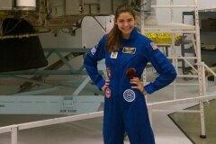 Девочка-астронавт